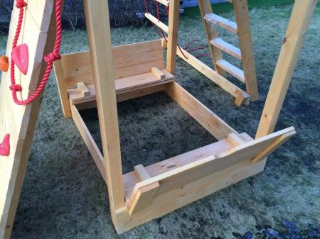 Дополнительное оборудование . Крышка для песочницы двойная к деревянной площадке серии Пикник.
